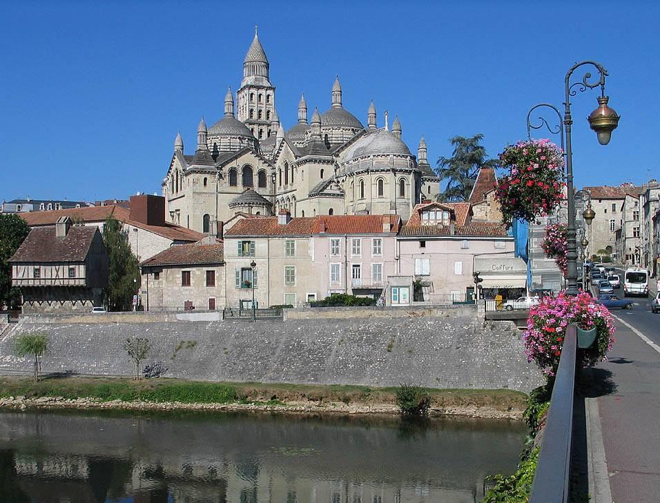 Visiter Périgueux - Cathédrale Saint Front