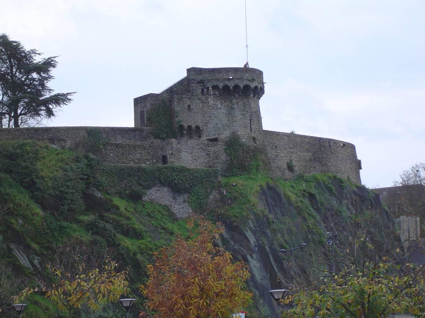 Visiter Saint-Lô - Les remparts