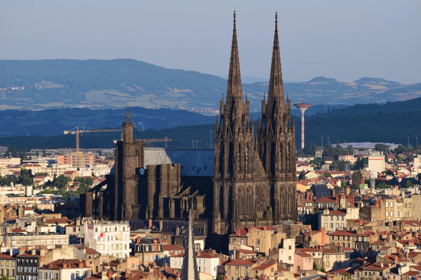 Visiter Clermont-Ferrand - Cathédrale Notre-Dame-de-l'Assomption