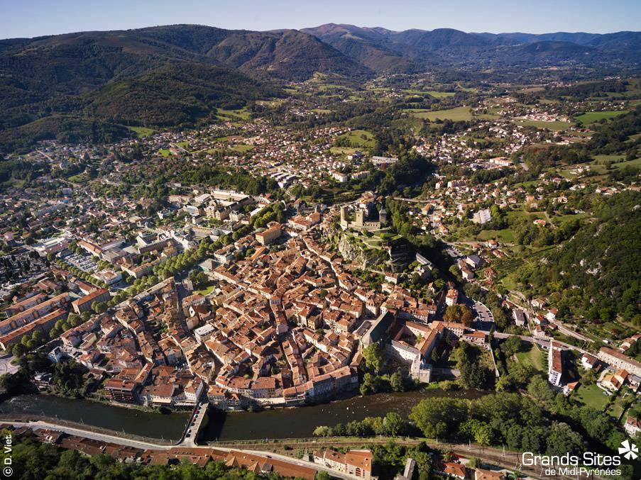 Visiter Foix - Vue aérienne