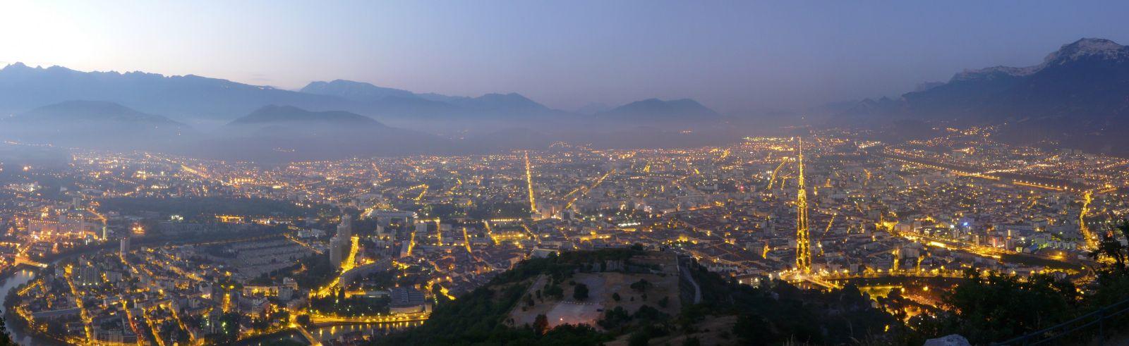 Visiter Grenoble de nuit