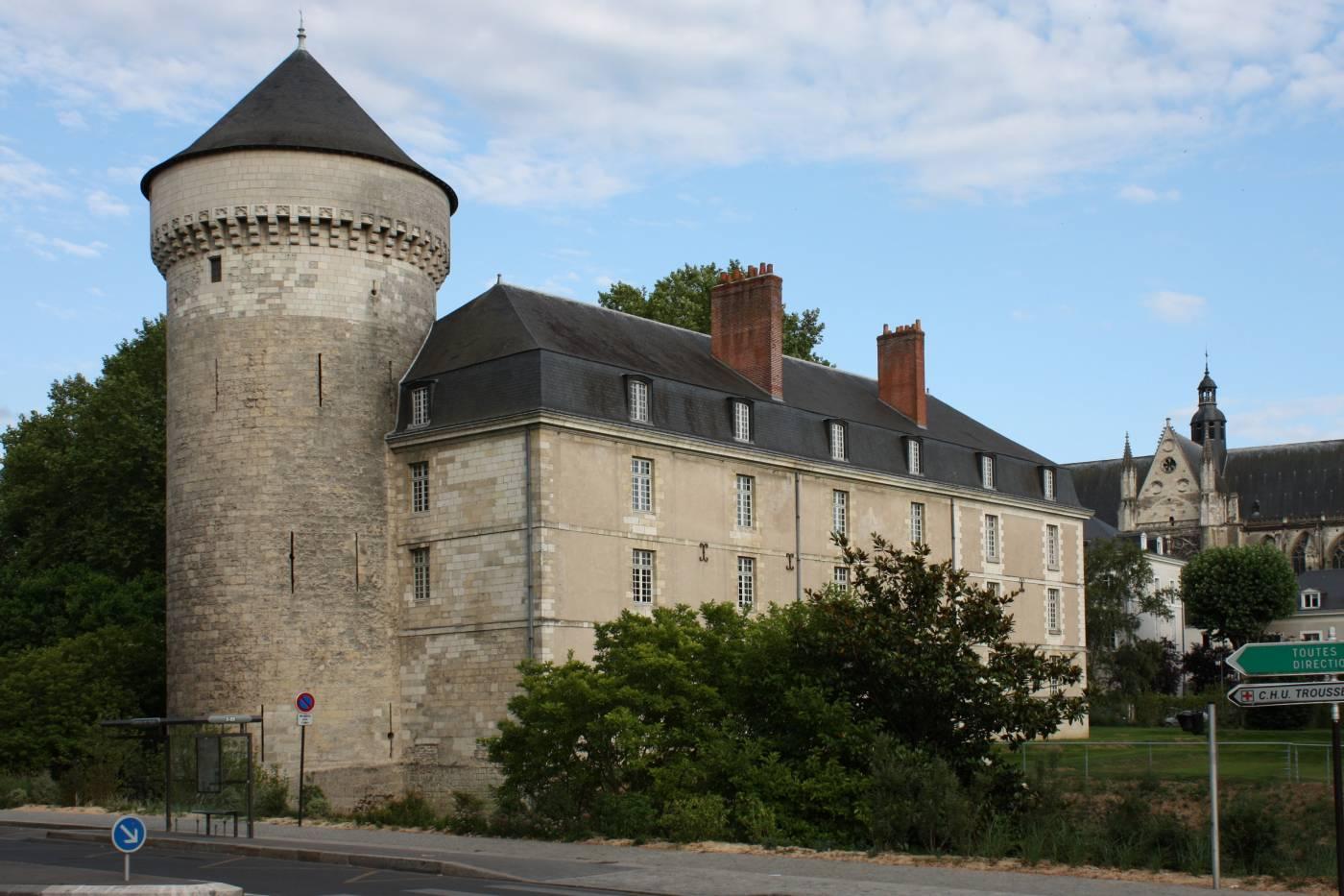 Visiter Tours et son château