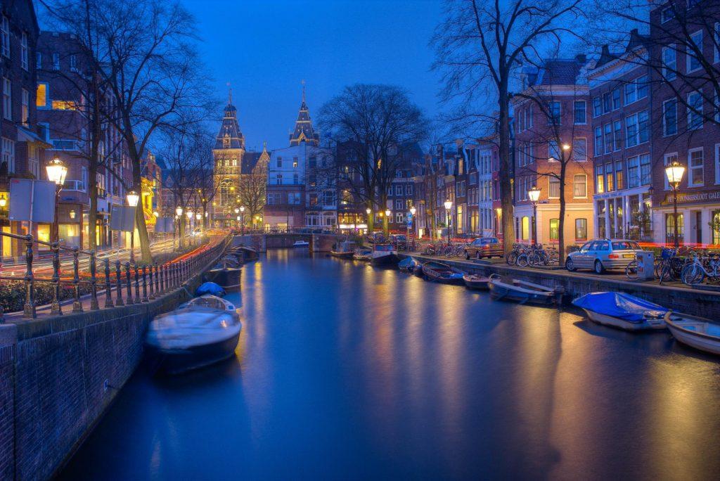 Amsterdam parmi les plus belles villes d'Europe et du monde