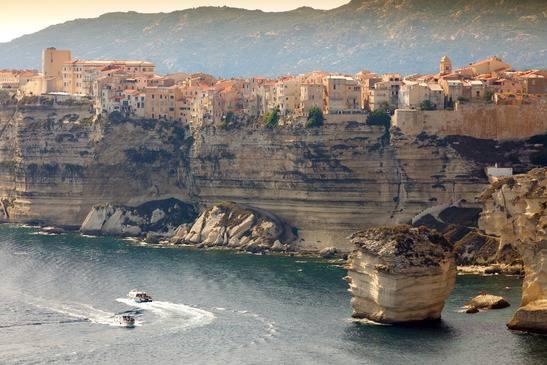 Falaise de Bonifacio en Corse - Parmi les plus beaux paysages de France