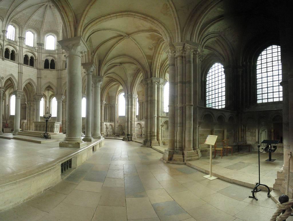 Autre vue intérieure de la Basilique de Vézelay