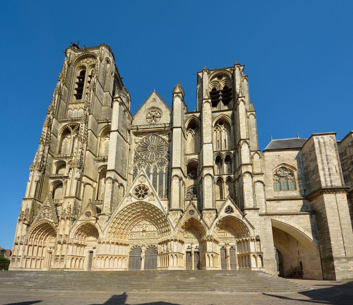 Façade de la Cathédrale Saint-Etienne de Bourges