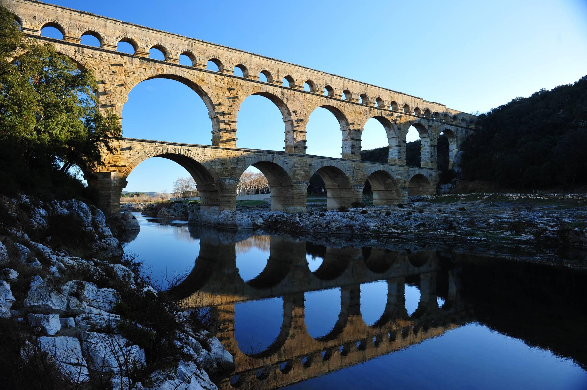 Pont du Gard au levé du Soleil