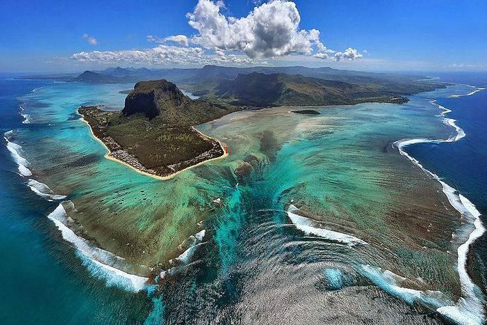 Cascade sous marine de l'Île Maurice