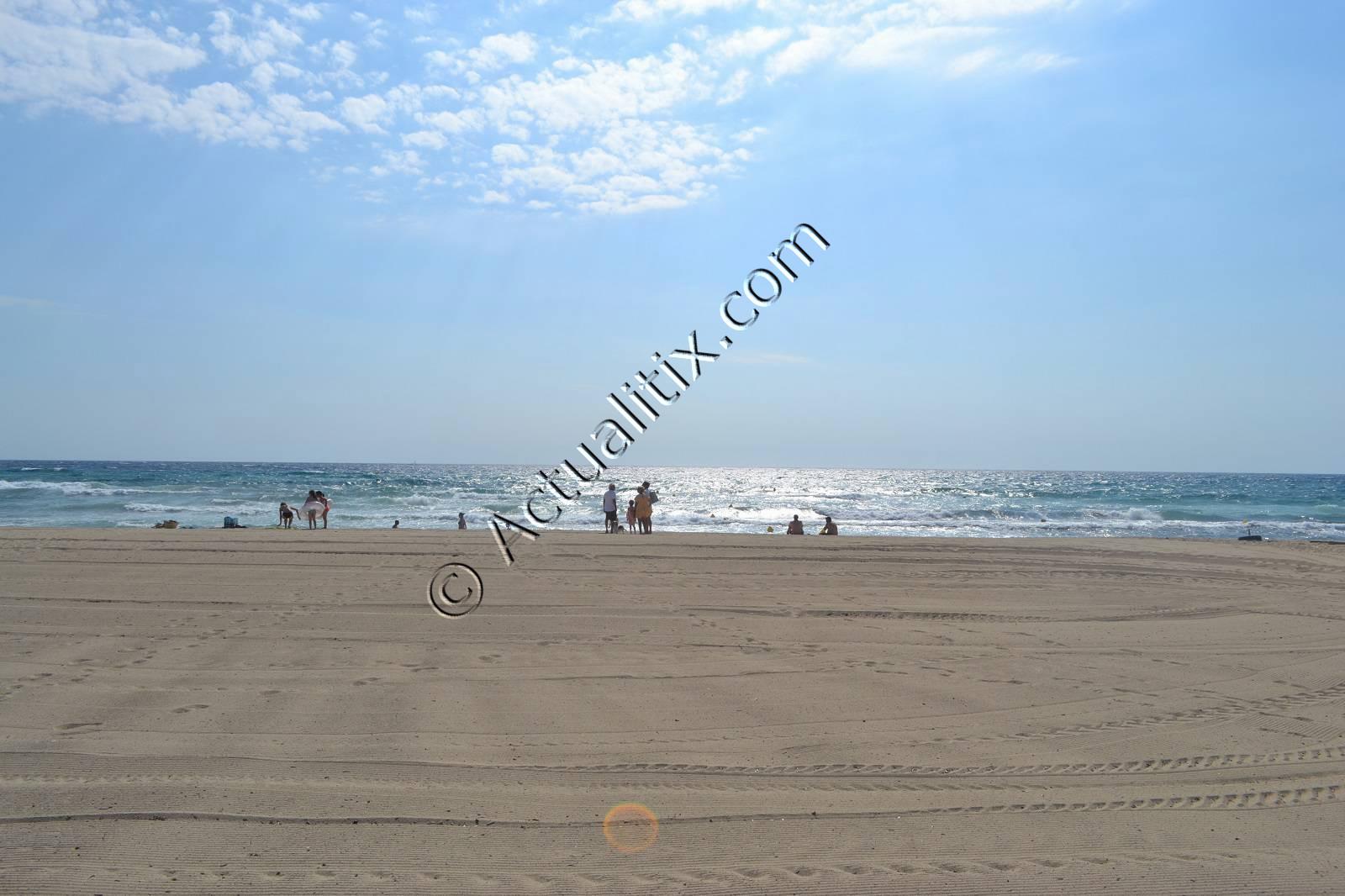 Lever de soleil sur la plage de Pampelonne