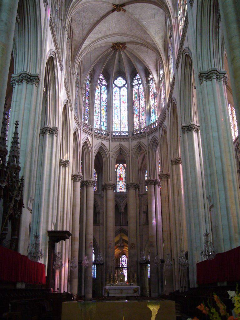 Intérieur de la Cathédrale Saint-Julien au Mans