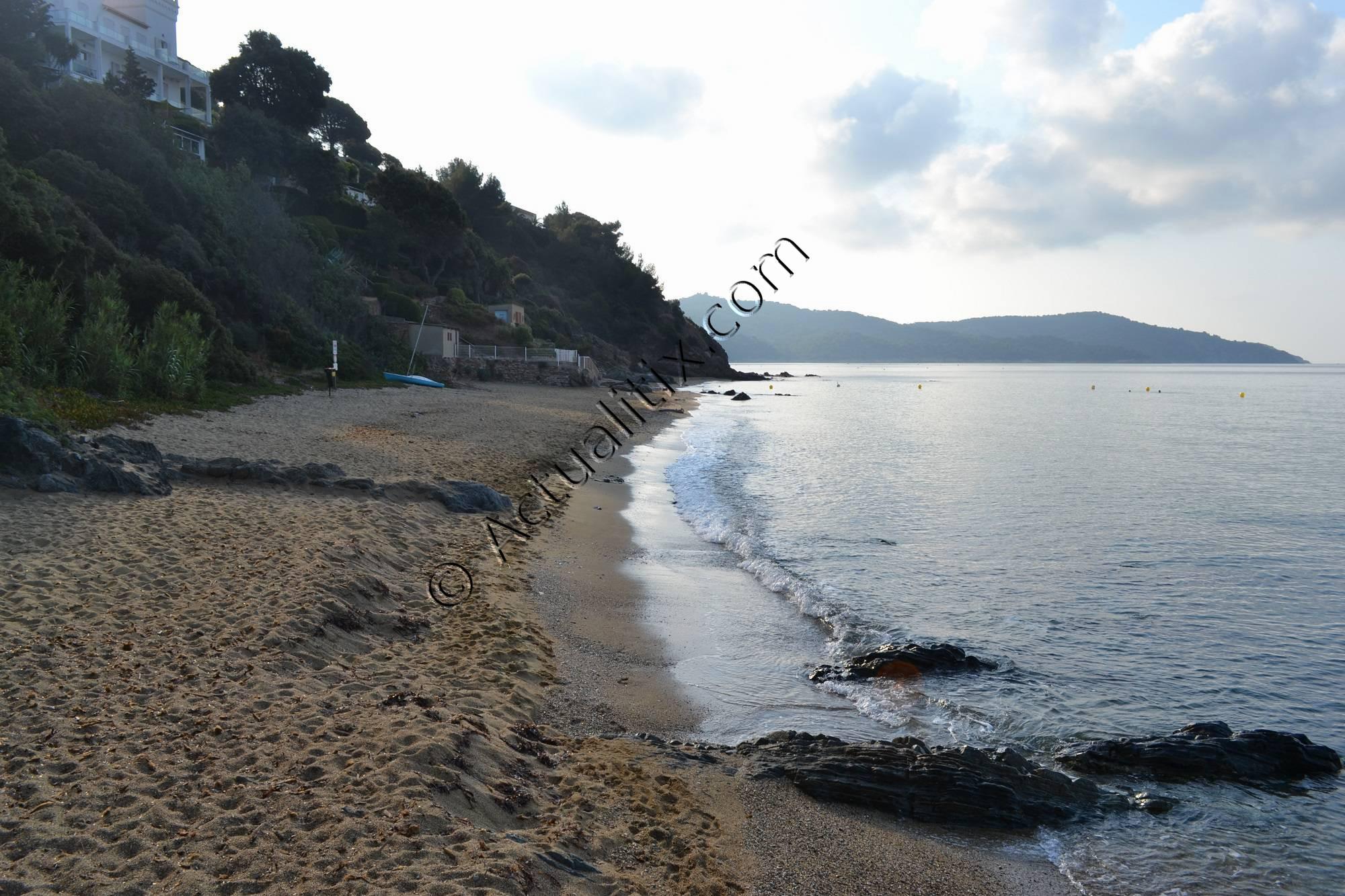 Lever de soleil sur la plage Sylvabelle