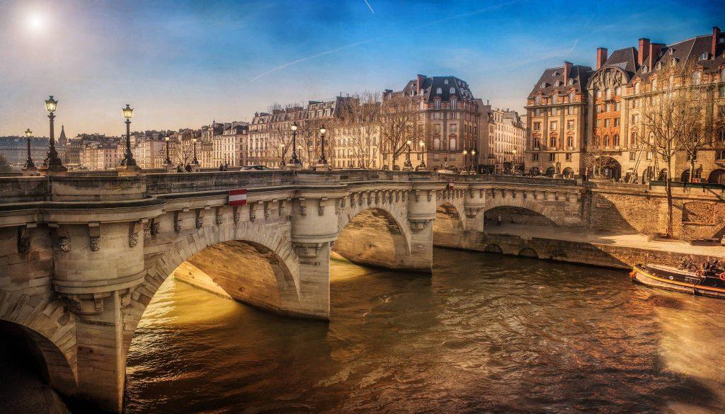 Paris et l'île de France dans les régions les plus touristiques