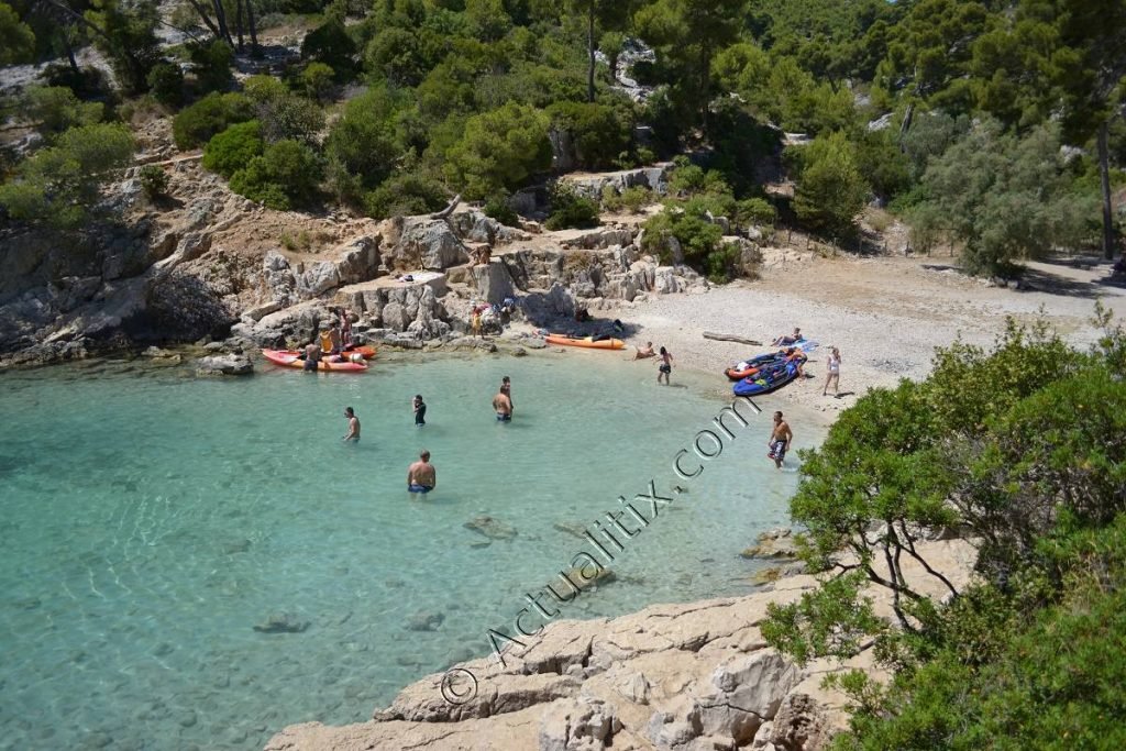 Port-Pin plage de la deuxième calanque de Cassis