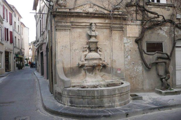 La fontaine Nostradamus à Saint-Rémy-de-Provence