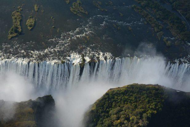 Les chutes Victoria vues du ciel