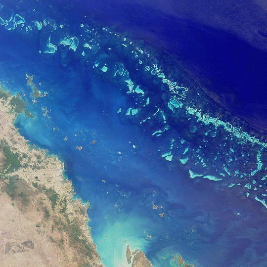 La grande barrière depuis un satellite