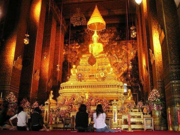 Bouddha dans un temple